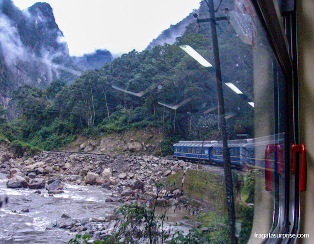 Trem para Machu Picchu, Peru