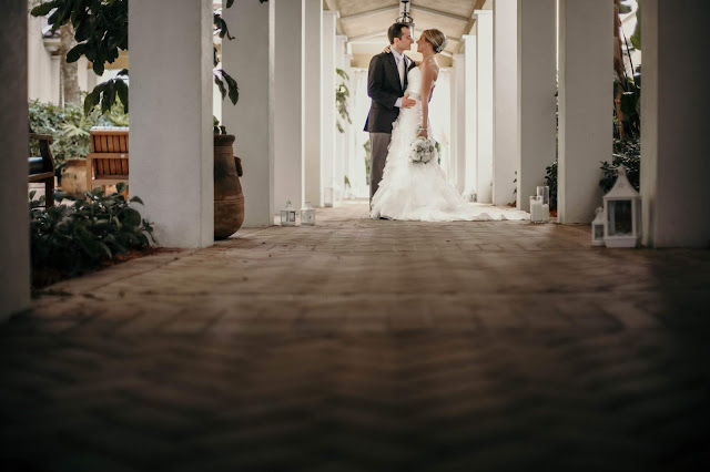 la playa walkway wedding photo