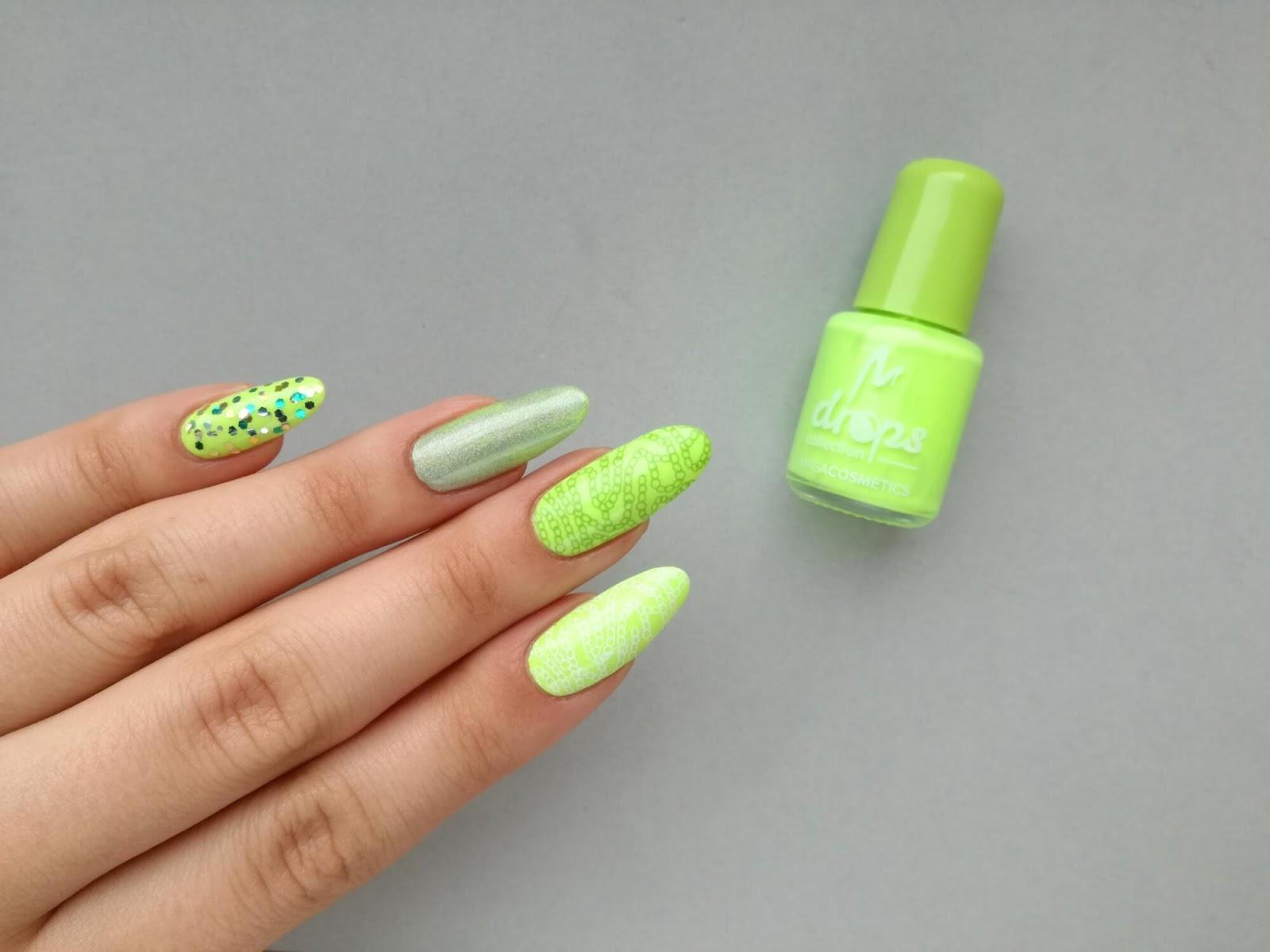 żarówiaste paznokcie