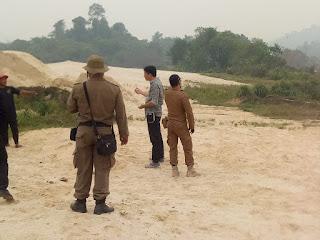 Lurah Sagatani Mesepot Aparatur Pengak Hukum Untuk Masalah Tambag Ilegal Dan Legal.