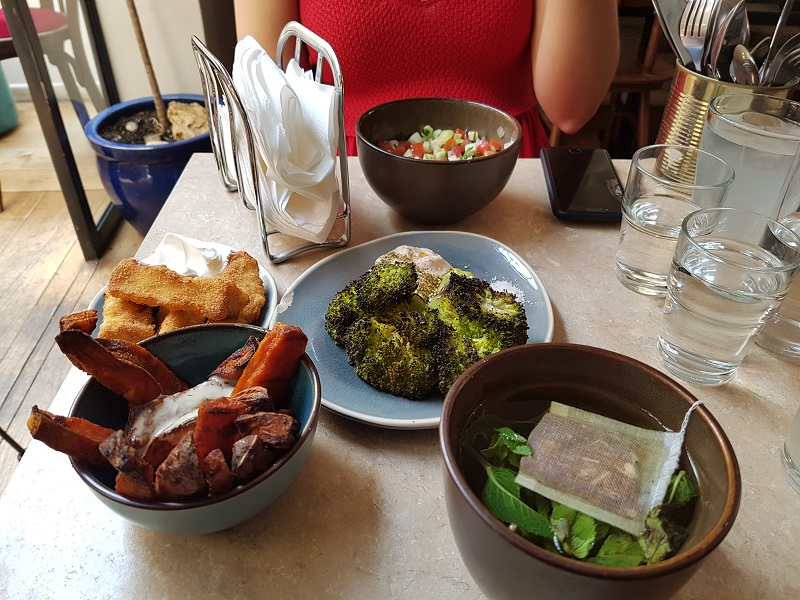 BLOG LIFESTYLE AFRO ADRESSE PARIS - BRUNCH VÉGÉTARIEN LEVANTINE HOUMOUS BAR