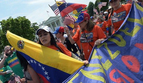 Exilio venezolano pide a Interpol que ignore órdenes de captura por caso de asalto a fuerte militar