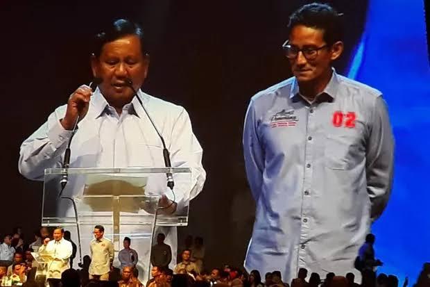 Foto Prabowo-Sandi Sumringah, Bikin Banteng Marah-Marah?