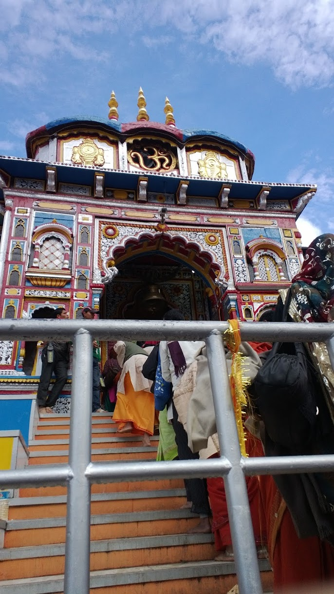 Badrinath temple (www.abhitraveldiary.com)