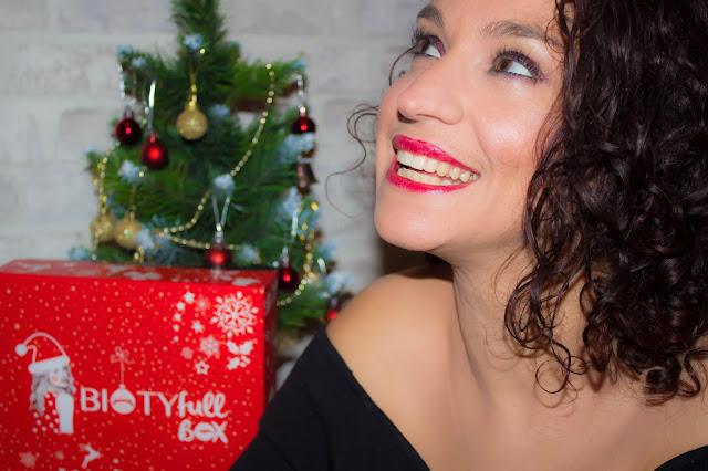 La Biotyfull Box de Noel : contenu et petit maquillage de fête 🎅🎄