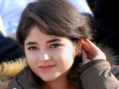 dangal-star-zaira-wasim-rescued-from-dal-lake-after-accident