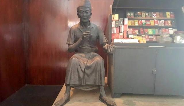 Foto Patung Koleksi Museum Kretek Kudus