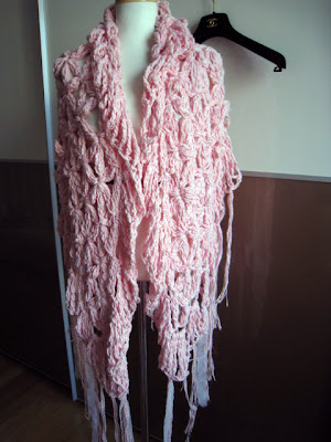 also happy: cecilia de bucourt shawl  Jessica simpson ~ I ...