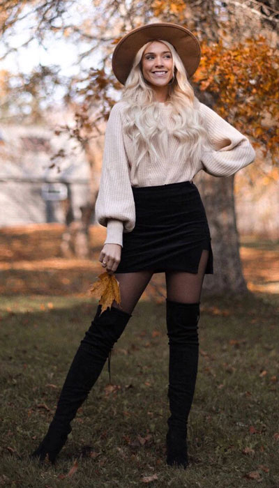 Winter is a great time to step up your personal style. See these 24 Trendy Winter Fashion Ideas for Not So Cold Days. Winter Outfit Ideas for Women via higiggle.com #winter #fashion #skirt #sweater