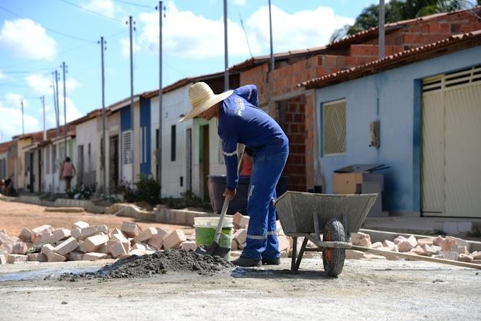 Prefeitura de Jacobina realiza obras de pavimentação em ruas no Junco