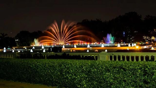Prem Mandir fountain show, prem mandir fountain in the night,prem mandir water show,prem mandir fountain show timings,prem mandir fountain timing