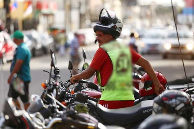 Passageira aciona a polícia militar após perceber que mototaxista estava sem máscara em Patos