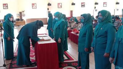 Pelantikan TP PKK Kecamatan se-Wajo, Amran Mahmud Tekankan Kekompakan dan Sinergitas