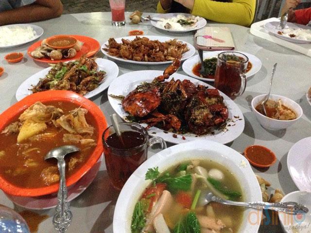De sampan seafood dan BBQ