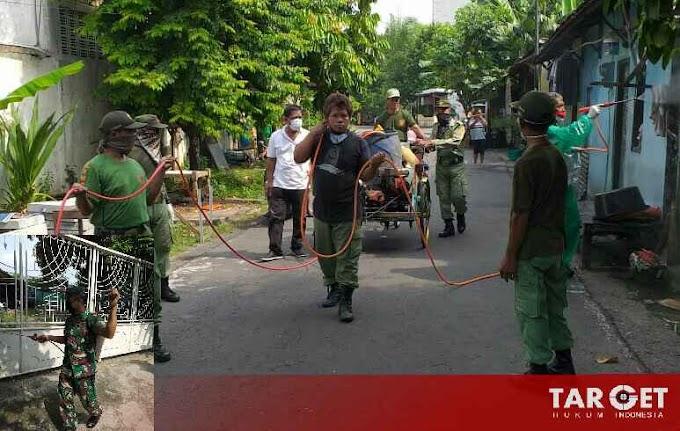Babinsa Banjarsari, Kesederhanaan Sosialisasi dan Penyemprotan di Wilayah Binaan