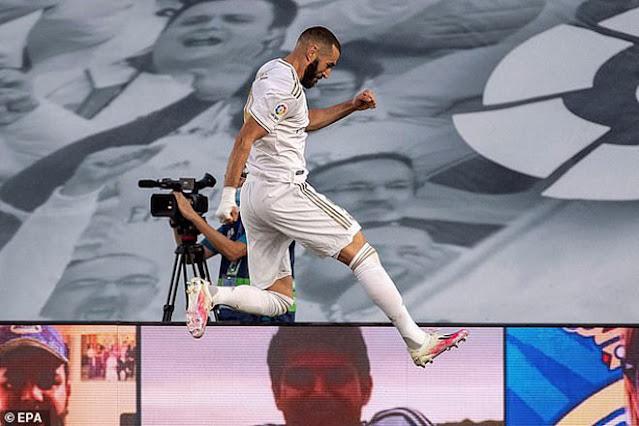 """Real Madrid vô địch La Liga lần thứ 34: Rực rỡ Zidane và """"gà son"""" Benzema 3"""