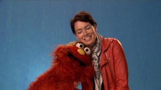 Murray, celebrity, Lena Headey talks about the word on the street relax, Sesame Street Episode 4405 Simon Says season 44