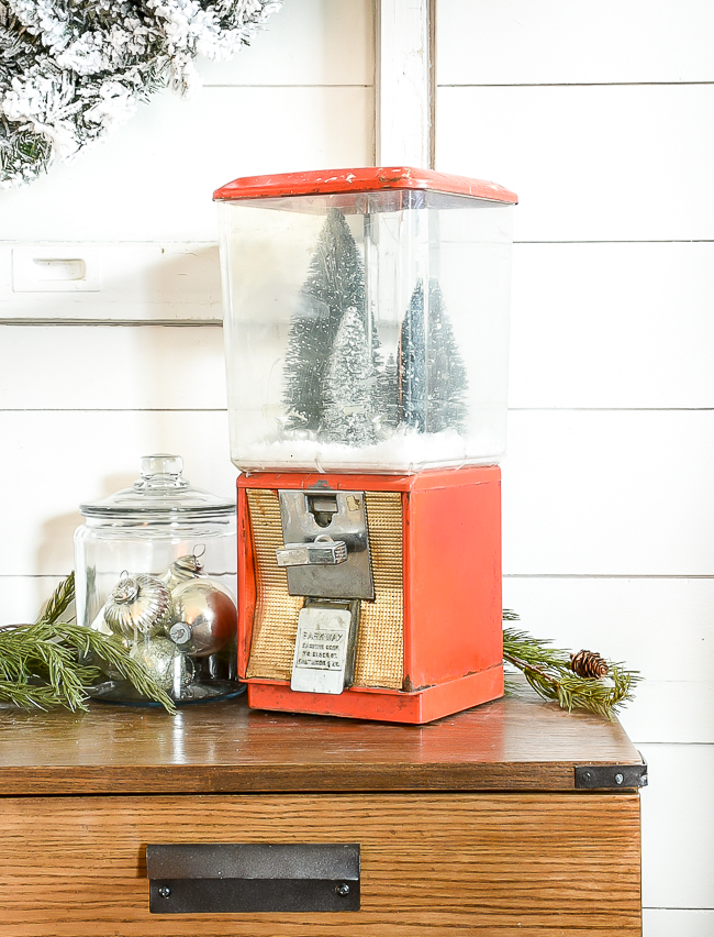 How to turn a gumball machine into a snow globe