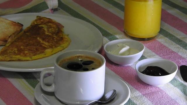 Desayuno proteico omelette jamon y queso