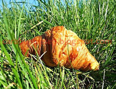 Roti Resep Roti Croisssant Bulan Sabit Sederhana Spesial Lembut dan Empuk Asli Enak
