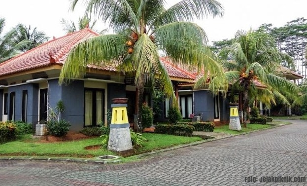 Villa Laut Biru
