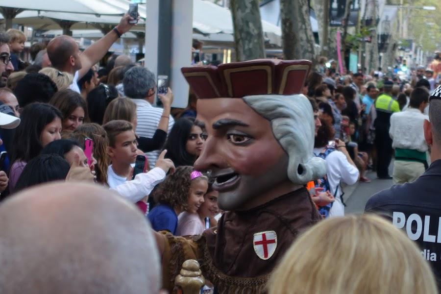 メルセ祭の大パレード(Cavalcade de la Mercè:La llum de la Mercè)