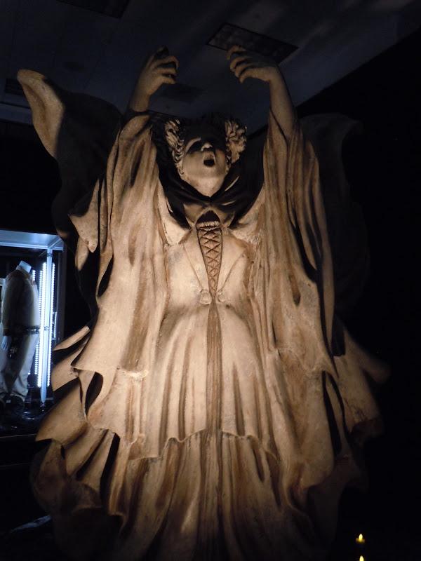Hocus Pocus Winifred statue prop