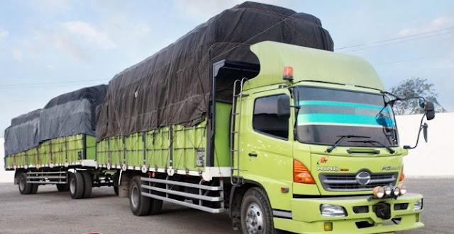 truk panjang gandeng dan besar di indonesia
