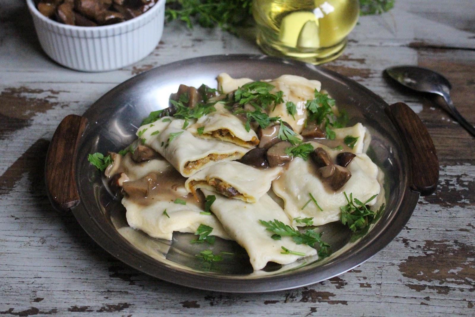 Ravioli z borowikami i aromatycznym sosem grzybowym
