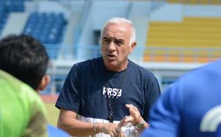 Jelang Lawan Persija Jakarta, Gomez Motivasi Pemain Persib Bandung
