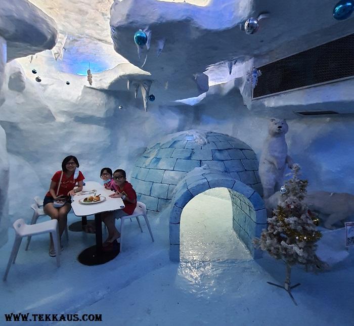 Ice Cafe Penang-Igloo Polar Bears