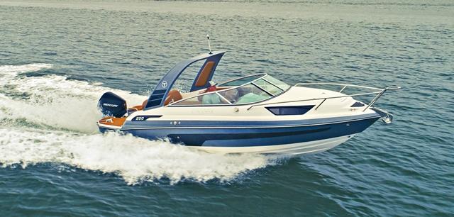 NÁUTICA: Triton Yachts apresenta nova versão para lancha de 25 pés