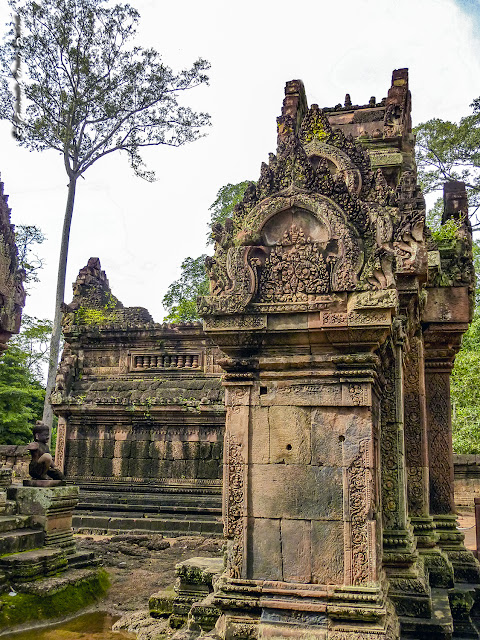 Banteay Srei, gopura al primer recinto - Angkor, Camboya por El Guisante Verde Project