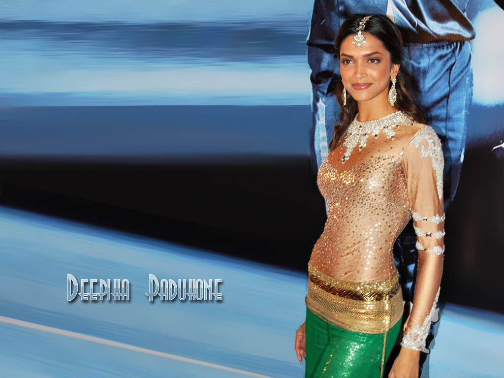 Hollywood Images: Check Deepika Padukone Height In These ...