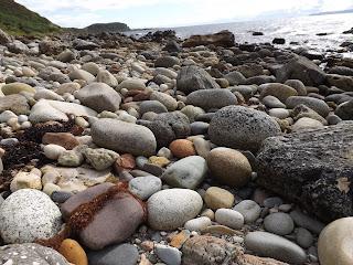 Skót táj és a kövek
