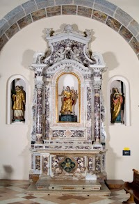 An Eighteenth Century Side Altar Dedicated to Our Lady of the Rosary