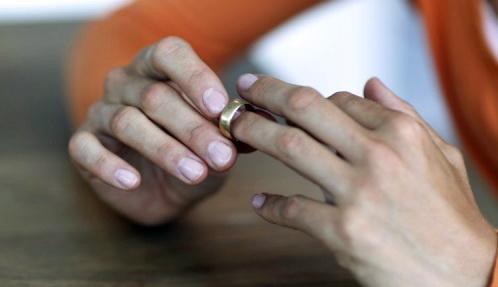 Jari Tangan Bisa Tunjukkan Orang Suka Selingkuh atau Tidak, Begini Caranya