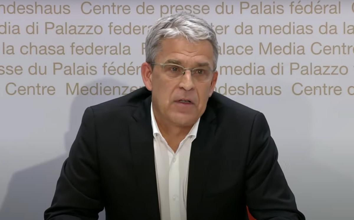 Šveicarija: senelių namų slaugytojai atsisako vakcinuotis