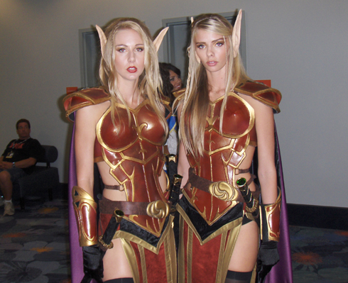 World of Warcraft twin cosplay