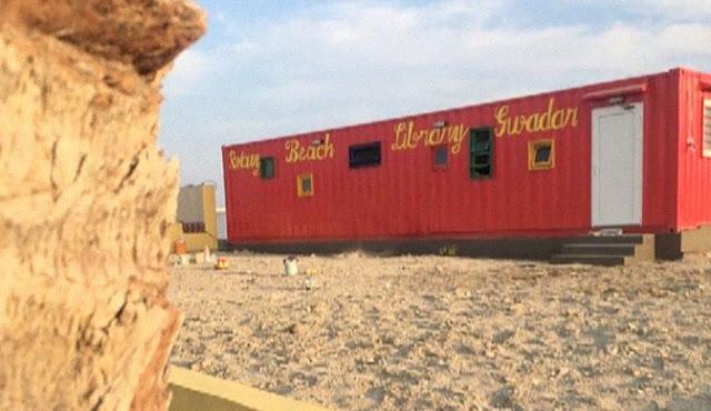 Biblioteka e kontejnerëve detarë shfaqet në Gwadar Beach