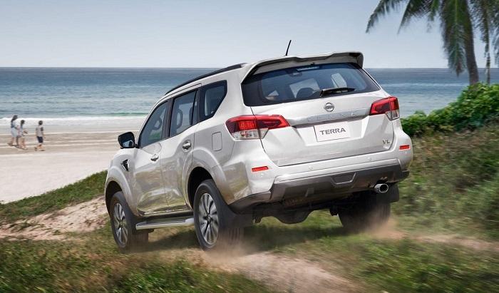 Nissan Terra yaitu kendaraan beroda empat kelas SUV produk pujian dari PT Nissan Motor Indonesia  Nissan Terra 2019 - Spesifikasi, Akselerasi, Top Speed, Konsumsi BBM dan Harga
