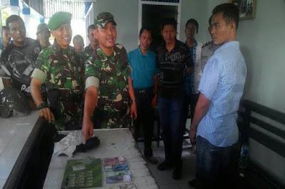 Prajurit TNI Berhasil Meringkus Pengedar Narkoba di Kawasan Riau, Serta Mengamankan Belasan Paket Sabu Siap Edar - COMMANDO