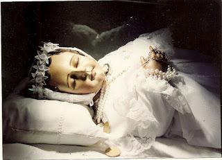 Les enfants des fausses-couches et des avortements vivent:les baptiser - Page 2 6220977310_32d5c5c7d0_b