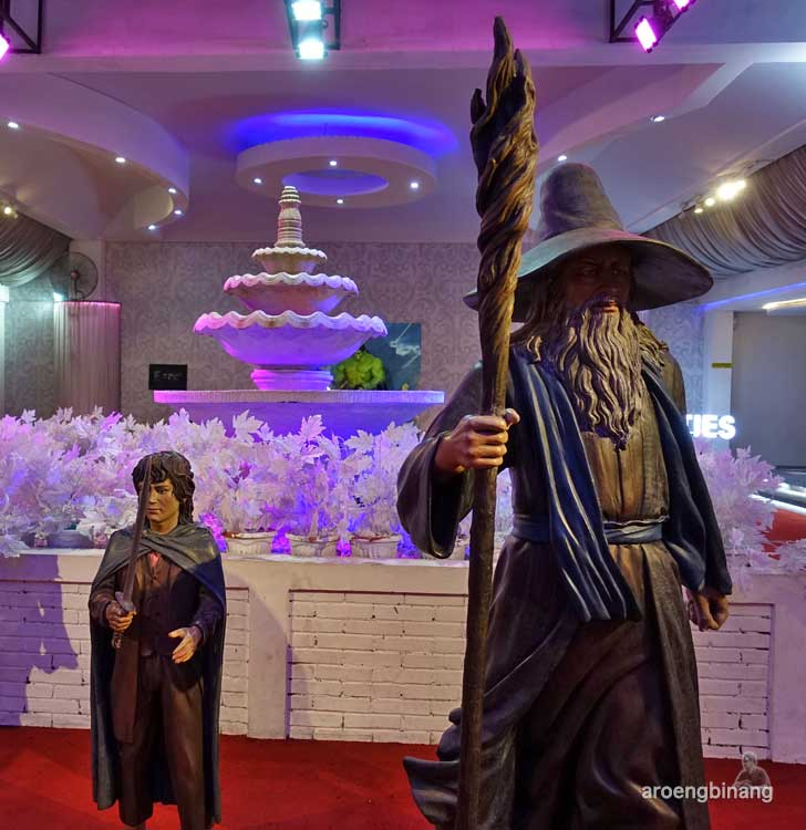 Frodo Baggins de arca statue art museum yogyakarta