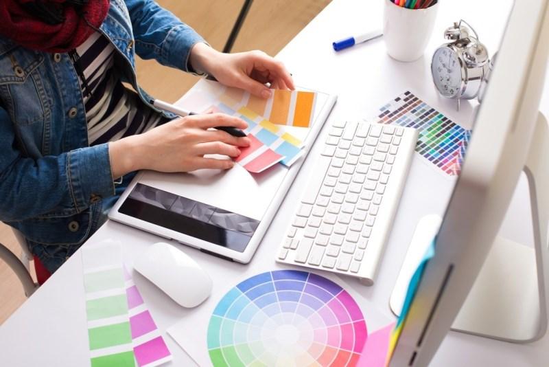 Thuê dịch vụ thiết kế freelancer