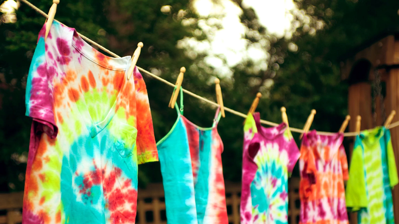 How to Make Your Own Tie-Dye Kit