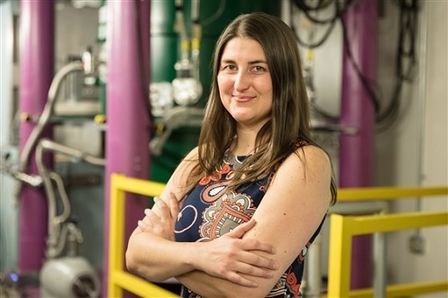 Leah Broussard studia le particelle subatomiche all'Oak Ridge National Laboratory