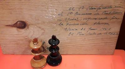 Juego de piezas de ajedrez Staunton nº 4, Vitoria, 26 de junio de 1949