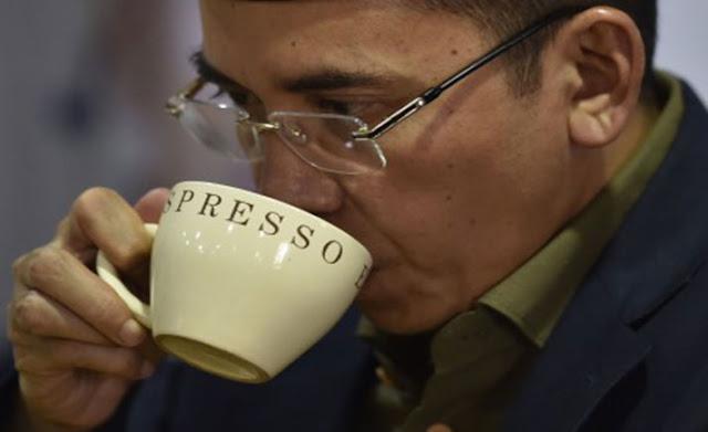 Pengamat: di Mata Jokowi, TGB dan Yusril Tak Ada Apa-apanya Dibandingkan Ahok