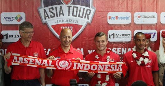 Arsenal vs Indonesia Dream Team 2013